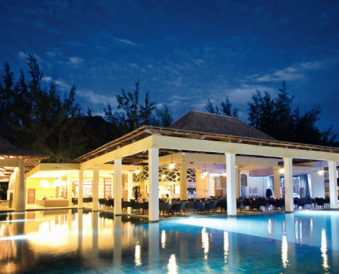 Hotel Riu Le Morne Pool At Night