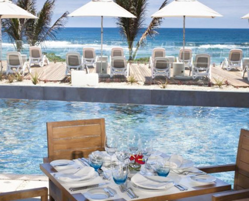 Radisson Blu Poste Lafayette Resort & Spa Pool
